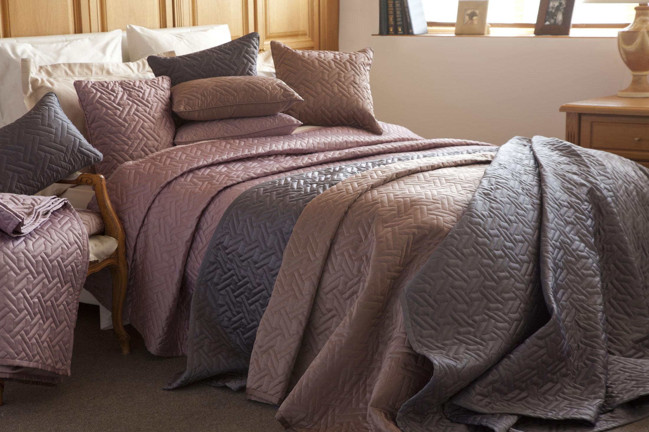 Bedspreads (21)