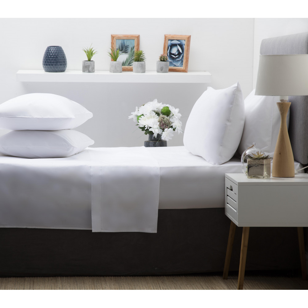 200 Thread Count Pure Combed Cotton Bed Linen In White