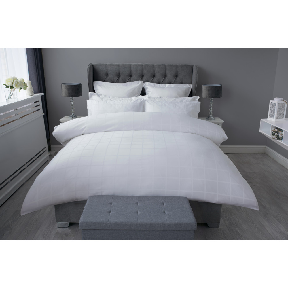 300 TC 100% Cotton Sateen Check Duvet Cover Set in White