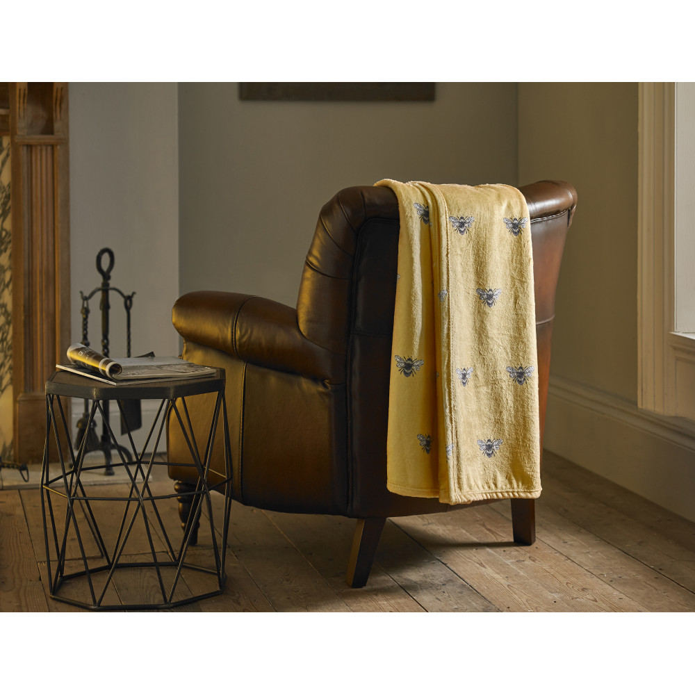 Supersoft Throw in Yellow Bumble Bee Design