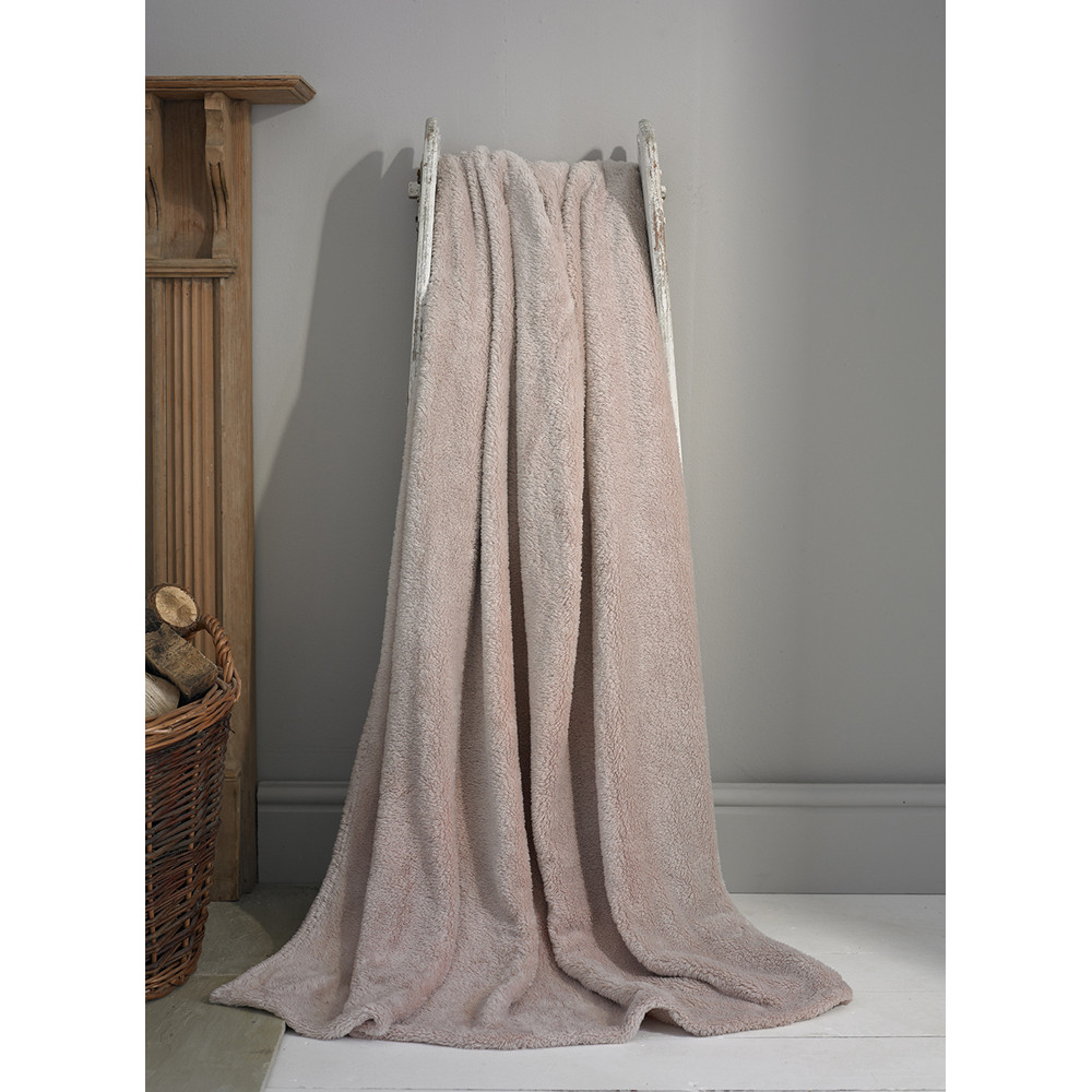 Teddy Fleece Soft Throw in Pink - Two Sizes