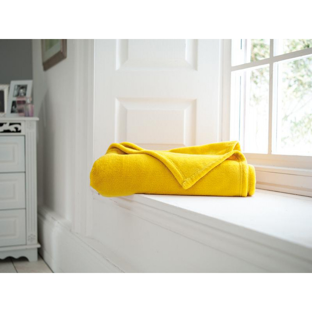 Snuggletouch Supersoft Throw in Amber Yellow