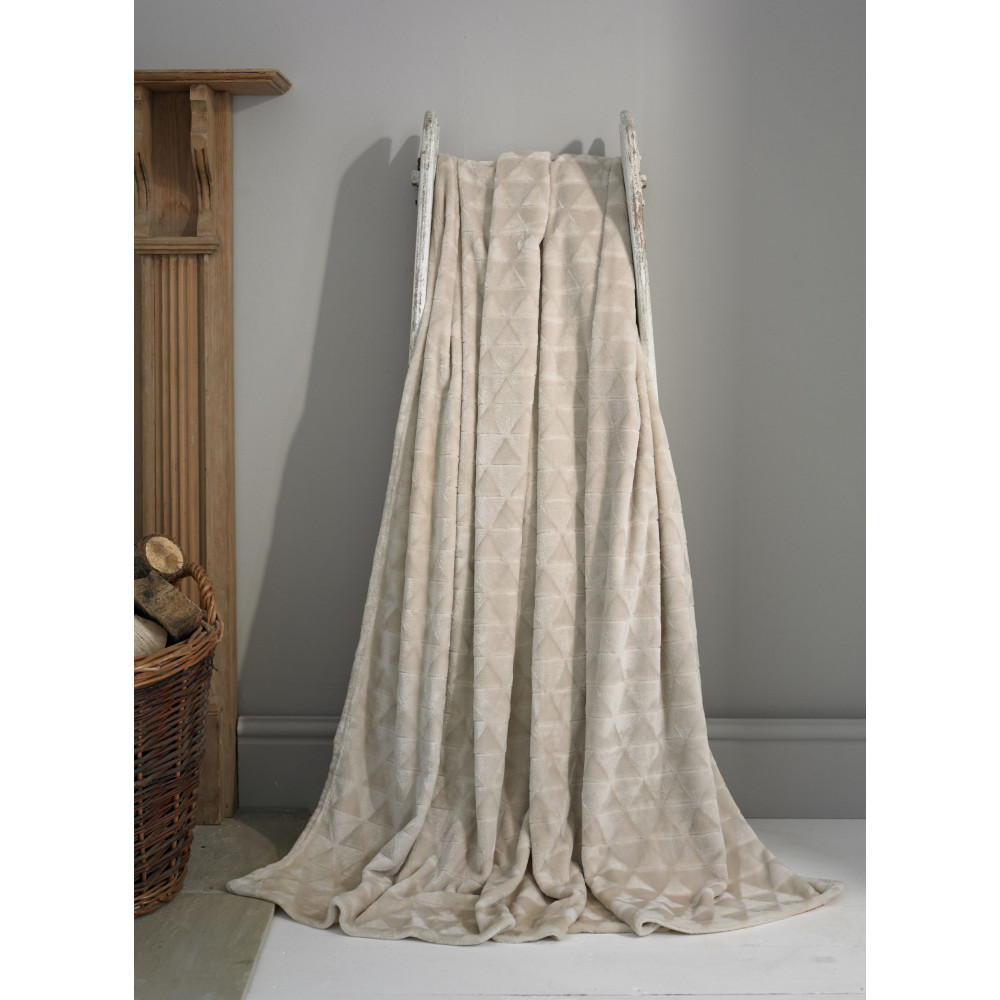 Luxury Supersoft Plush Throw in Biscuit