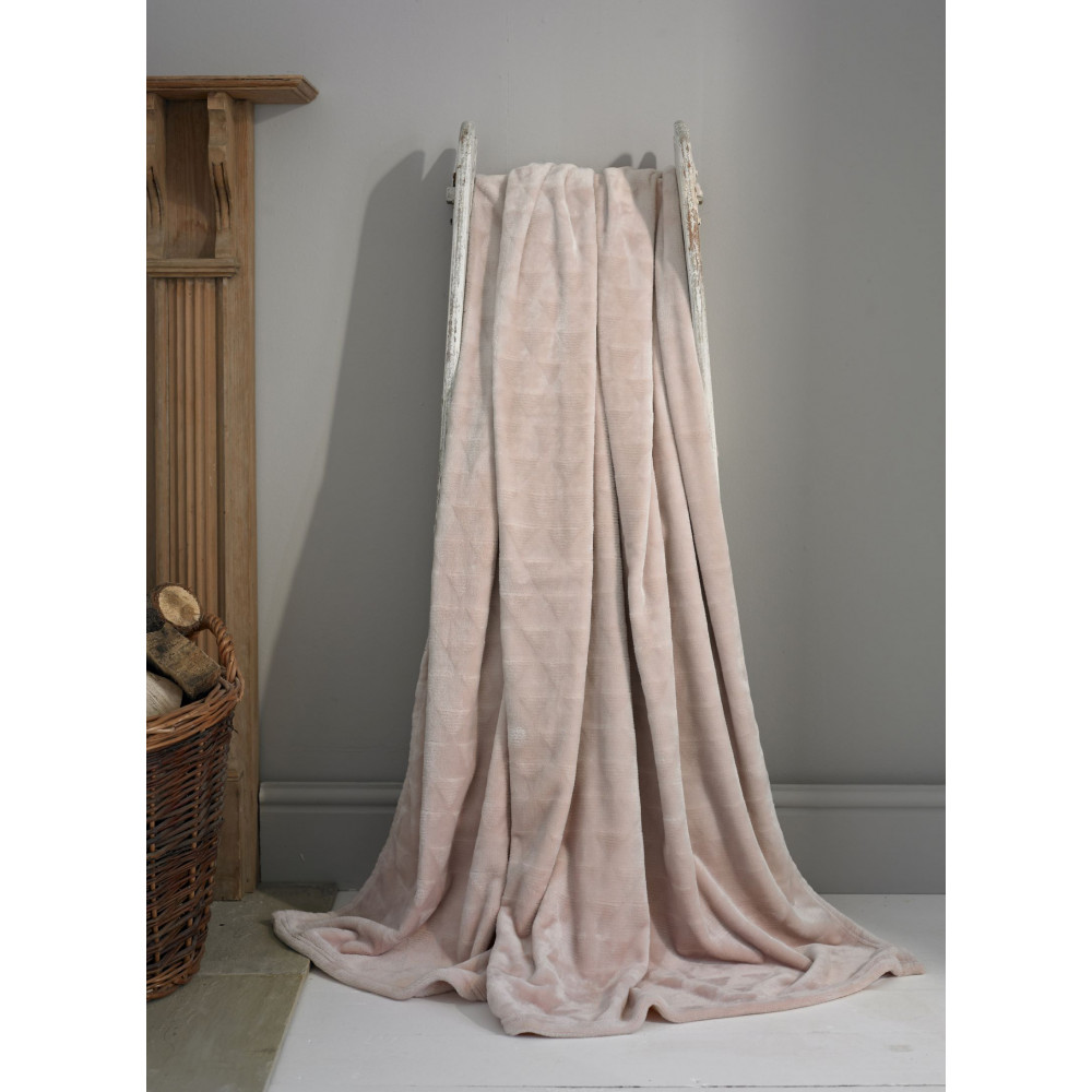 Luxury Supersoft Plush Throw in Pink