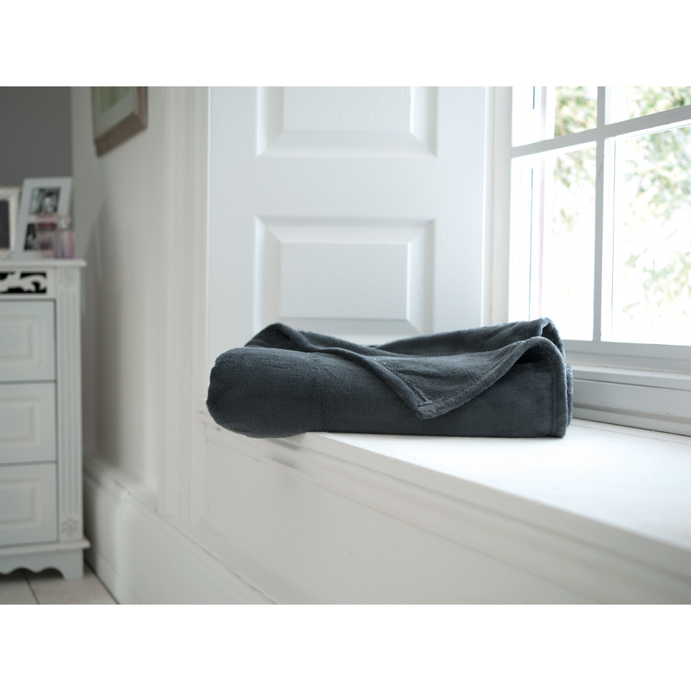 Snuggletouch Supersoft Throw in Charcoal Grey